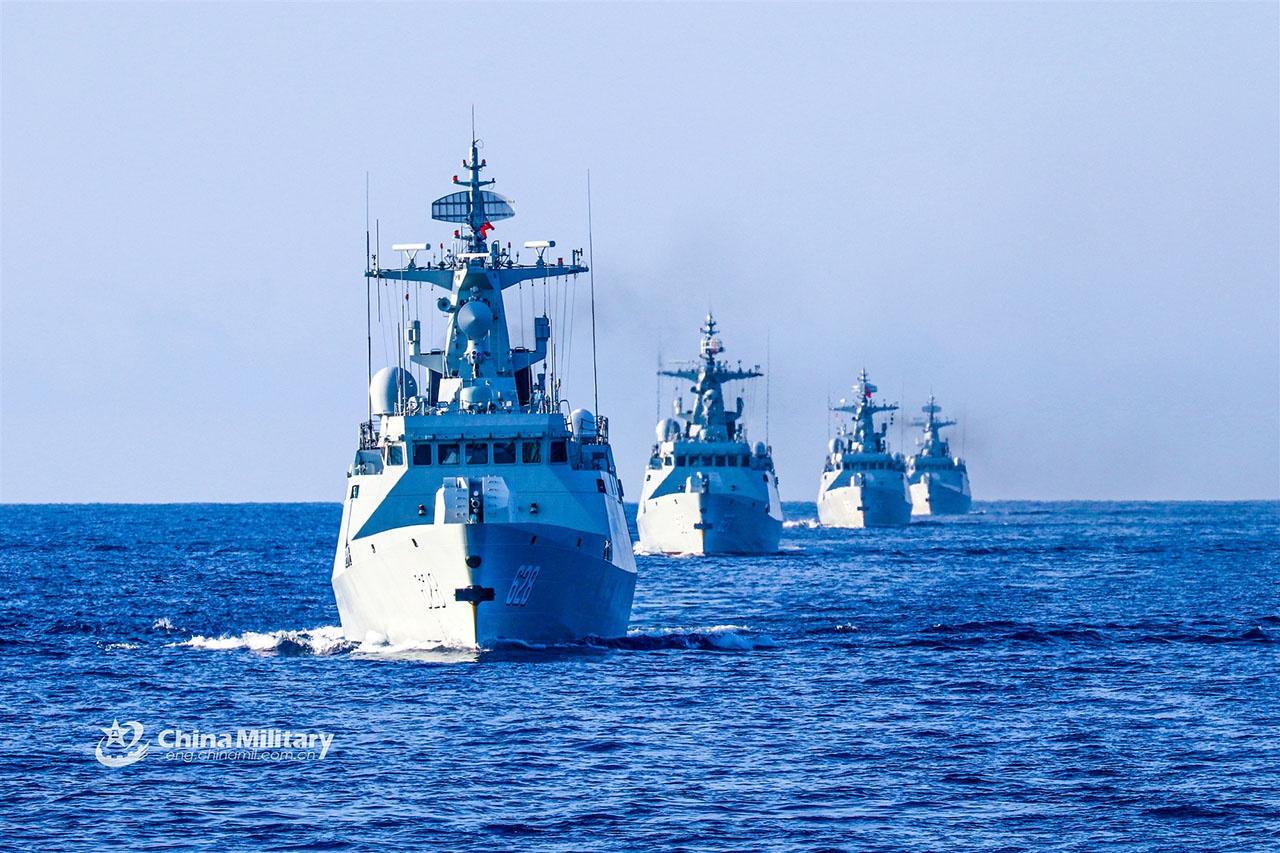 Китай расширяет своё военное присутствие в Атлантике, Средиземном море и Арктике, при этом углубляя оборонные связи с Россией.