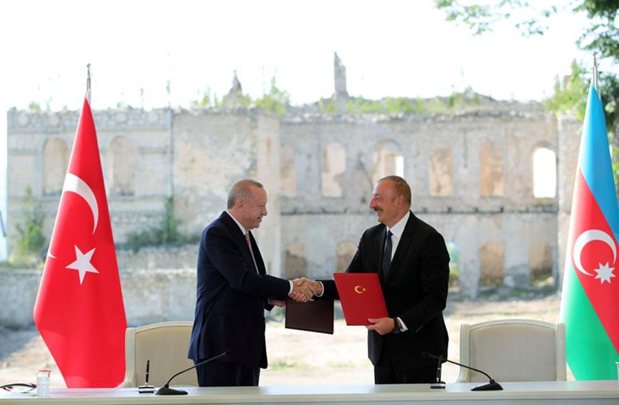 Тайип Реджеп Эрдоган и Ильхам Алиев подписали соглашение о взаимопомощи в отвоёванной Шуше.