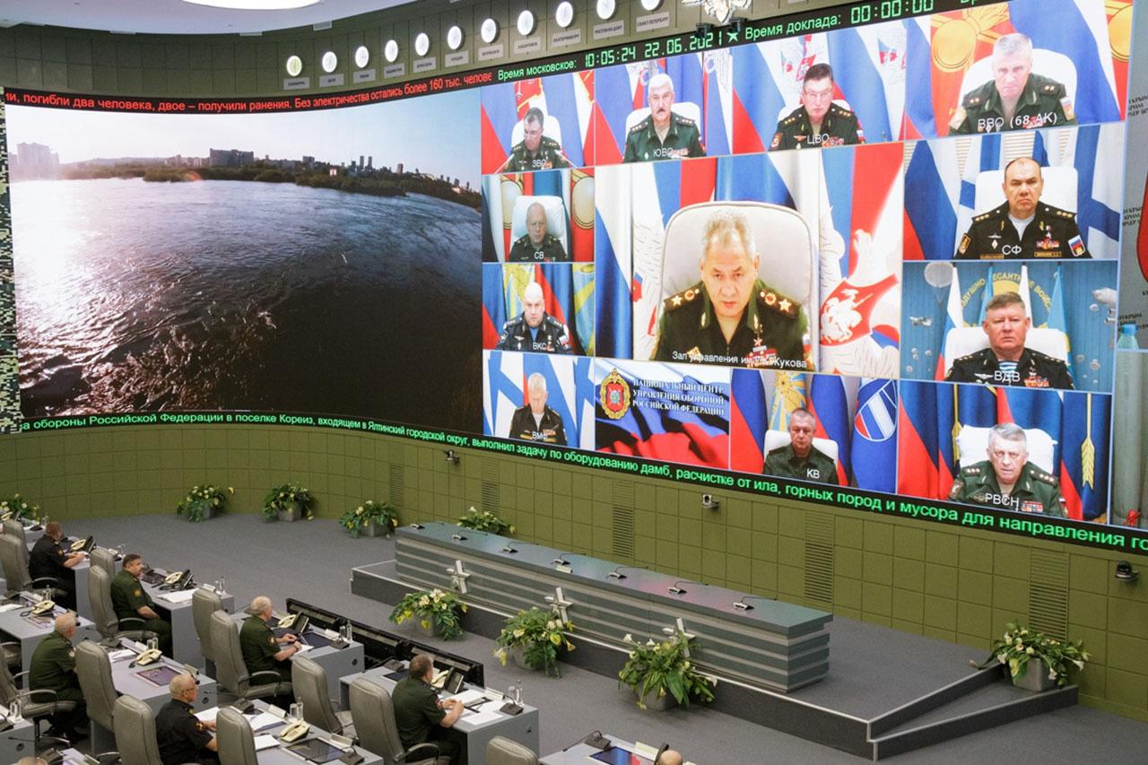 Министр обороны России провёл селекторное совещание с руководящим составом Вооружённых Сил.