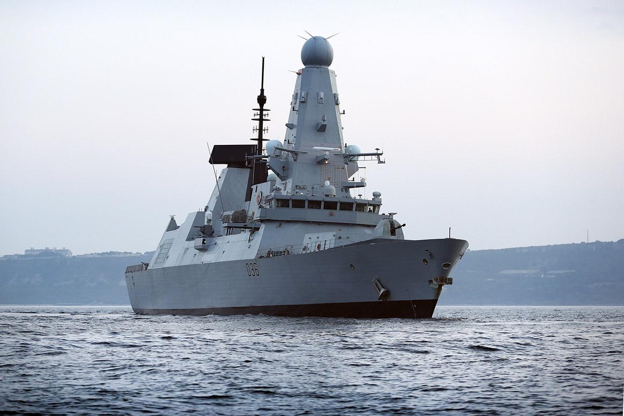 Британский эсминец Defender - нарушитель государственной границы РФ у берегов Крыма.