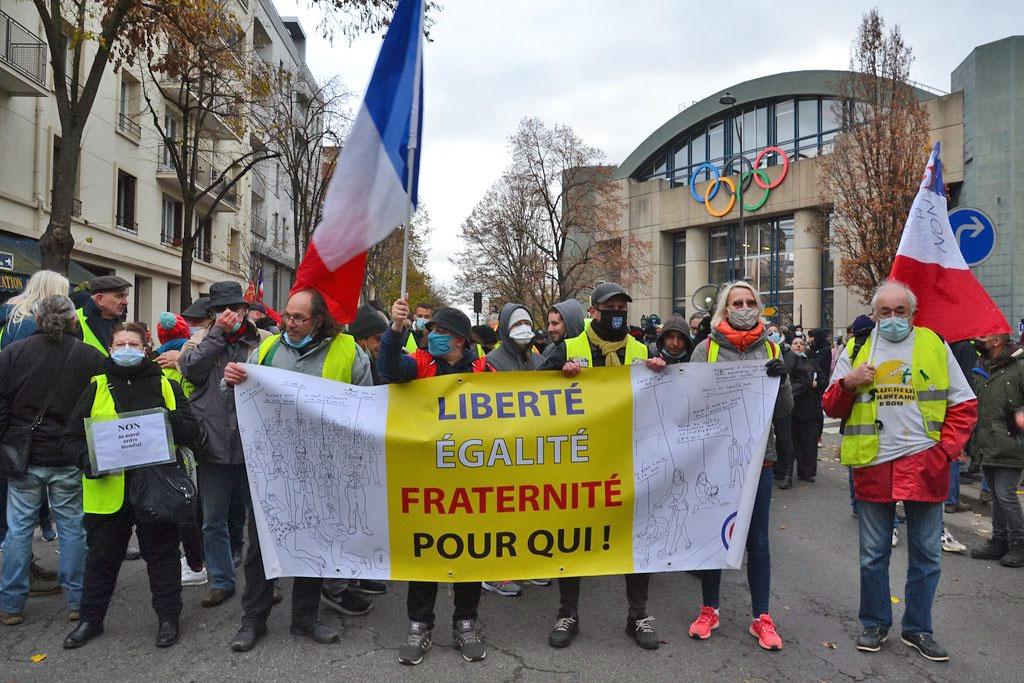 Большинство французов, поддержавших генерала Тозена, вышли из движения «жёлтых жилетов».
