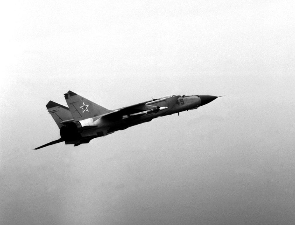 Советский истребитель МиГ-25 обладал титулом самого скоростного боевого самолёта в мире.