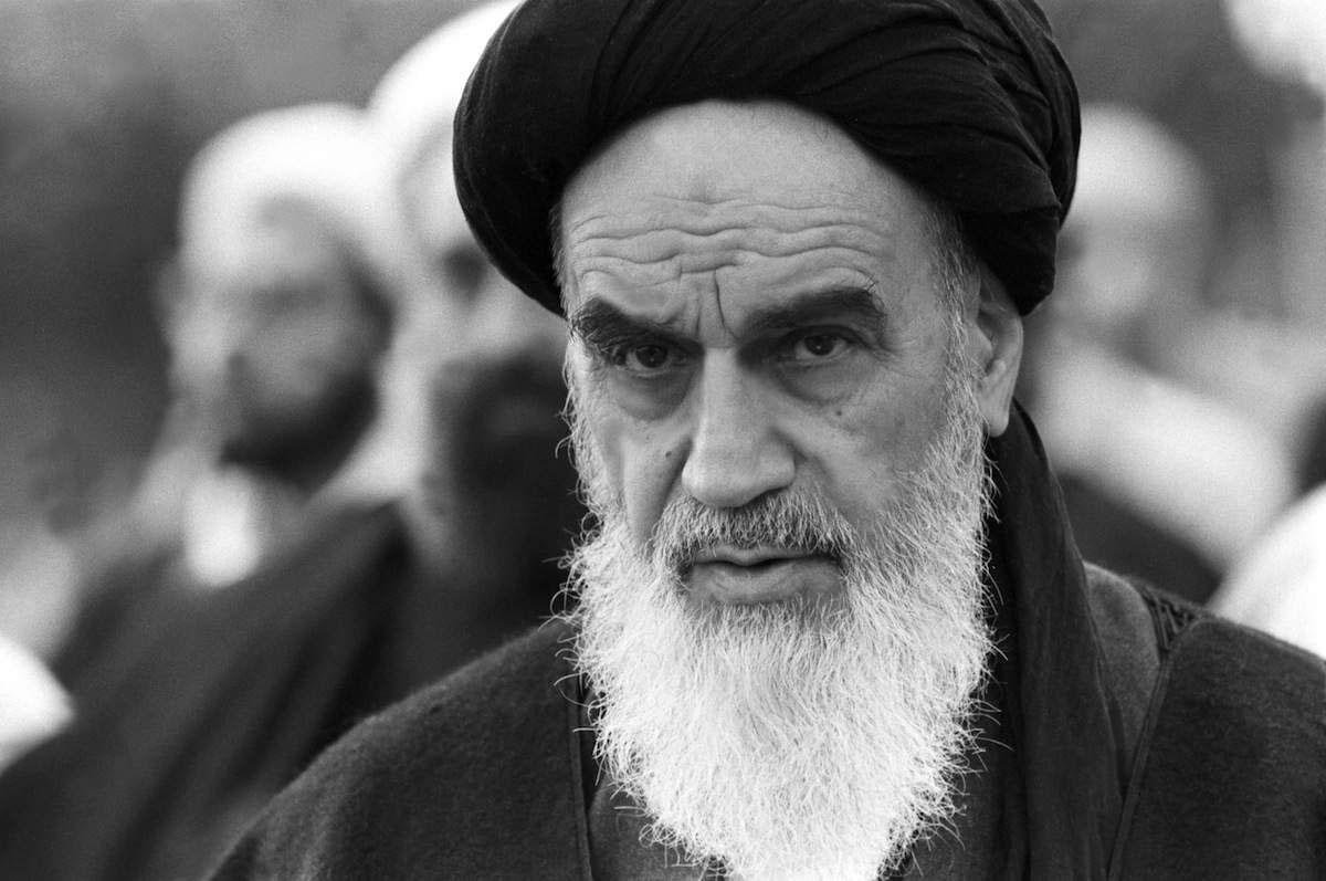 Новое руководство Ирана останется верным заветам отца Исламской революции аятоллы Хомейни и не будет стремиться к установлению дружеских связей с США.