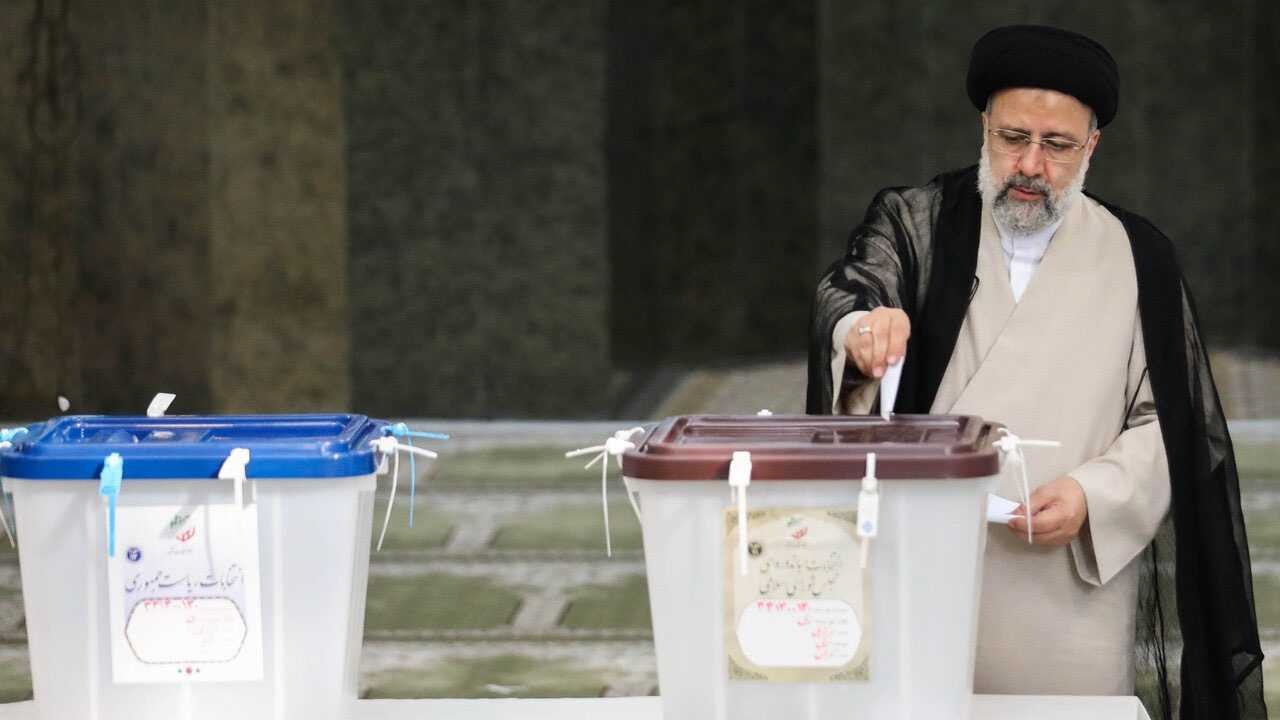 Тегеран-2021: президентом Ирана стал прямой  потомок Мухаммеда