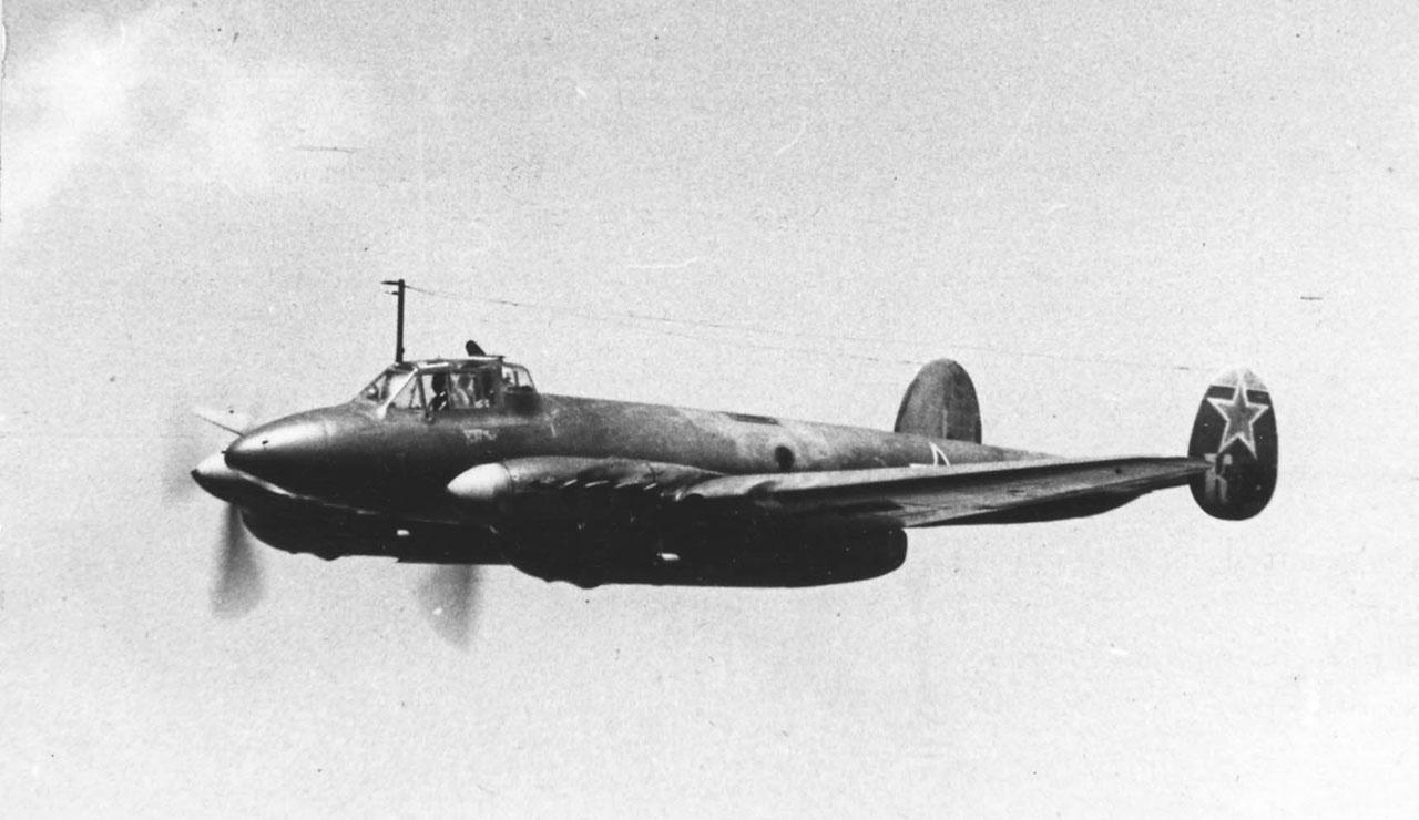Во время Великой Отечественной войны Пе-2 был самым массовым советским бомбардировщиком.