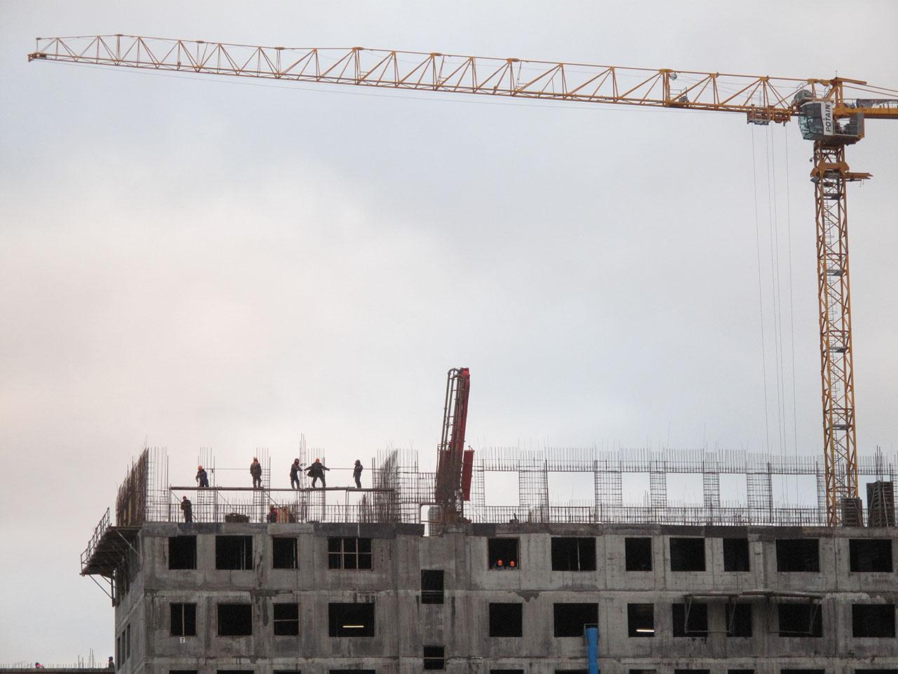 Первыми взлетело в стоимости строительство жилых и нежилых объектов, даже появился термин: «реактивно дорожающее жильё».