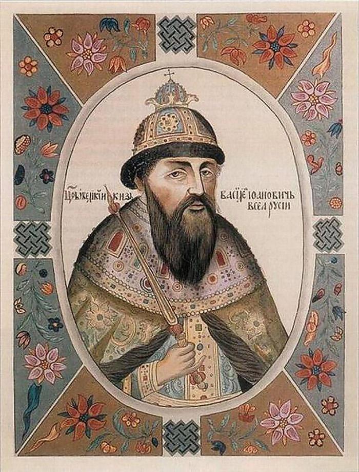 При великом князе Василии III Красный стал пограничным городом между Россией и Польшей.