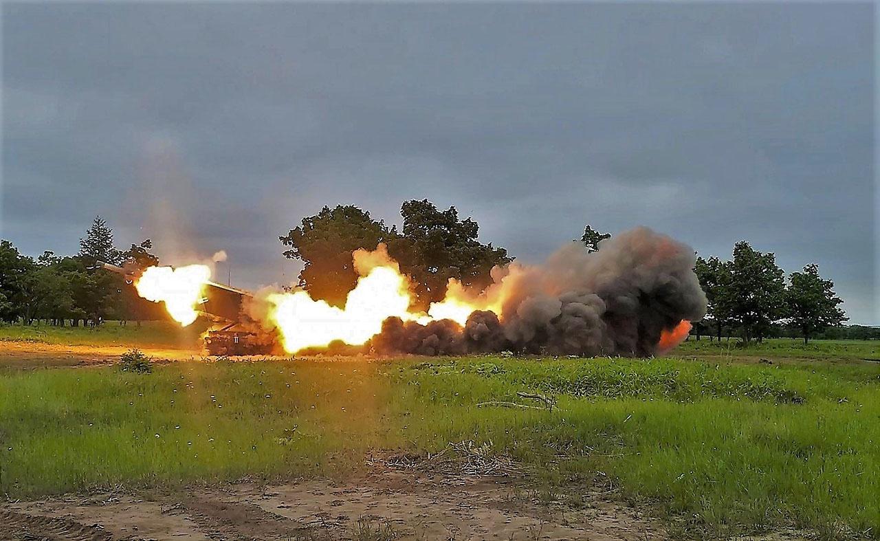 Учения Orient Shield с использованием американцами ракетной системы залпового огня HIMARS.