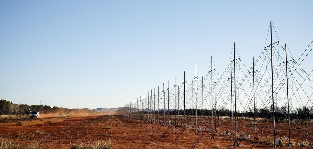 Австралия располагает собственной оперативной радиолокационной сетью Джиндали (Jindalee Operational Radar Network).