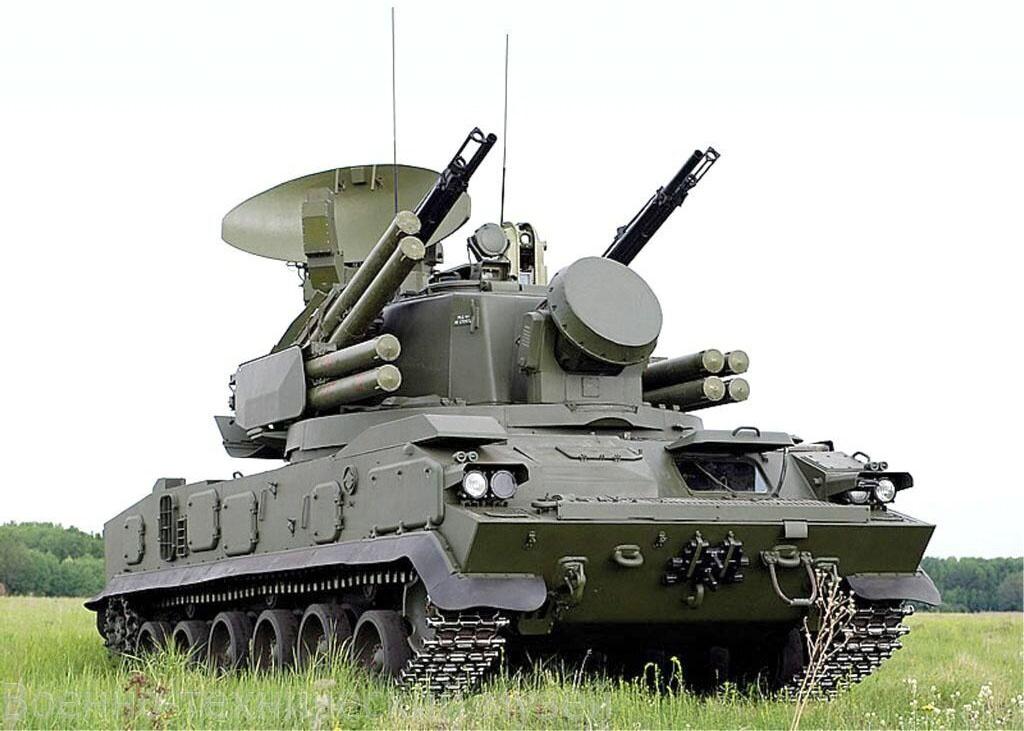 К тактико-специальному учению на полигоне Прудбой в Волгоградской области были привлечены экипажи зенитных ракетно-пушечных комплексов «Тунгуска-М1».
