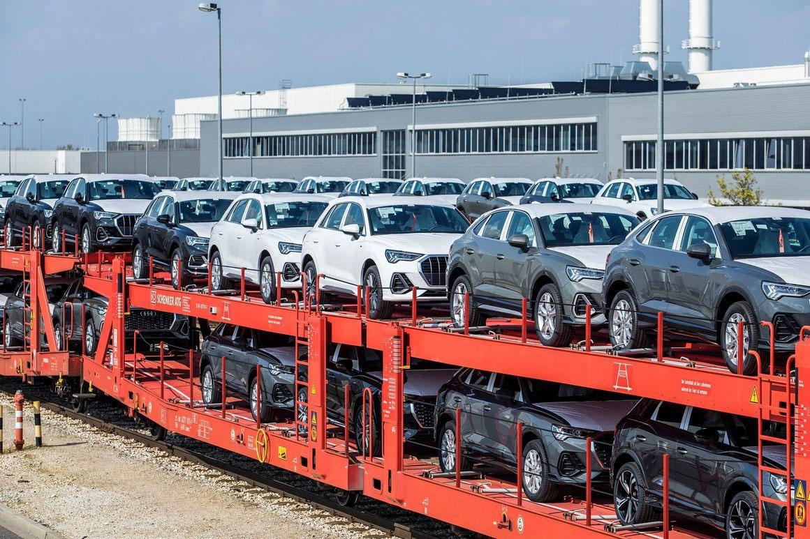 Более 55% структуры венгерского экспорта составляют автомобили и машинное оборудование.