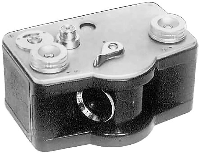 Токарев в 1948 году сконструировал оригинальный фотоаппарат для панорамной съёмки ФТ-1.