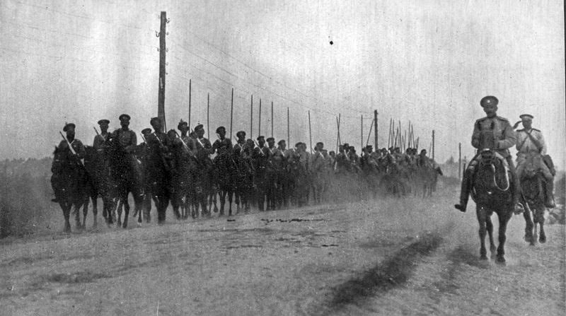 В Первую мировую войну Токарев командовал сотней в 29-м Донском казачьем полку.