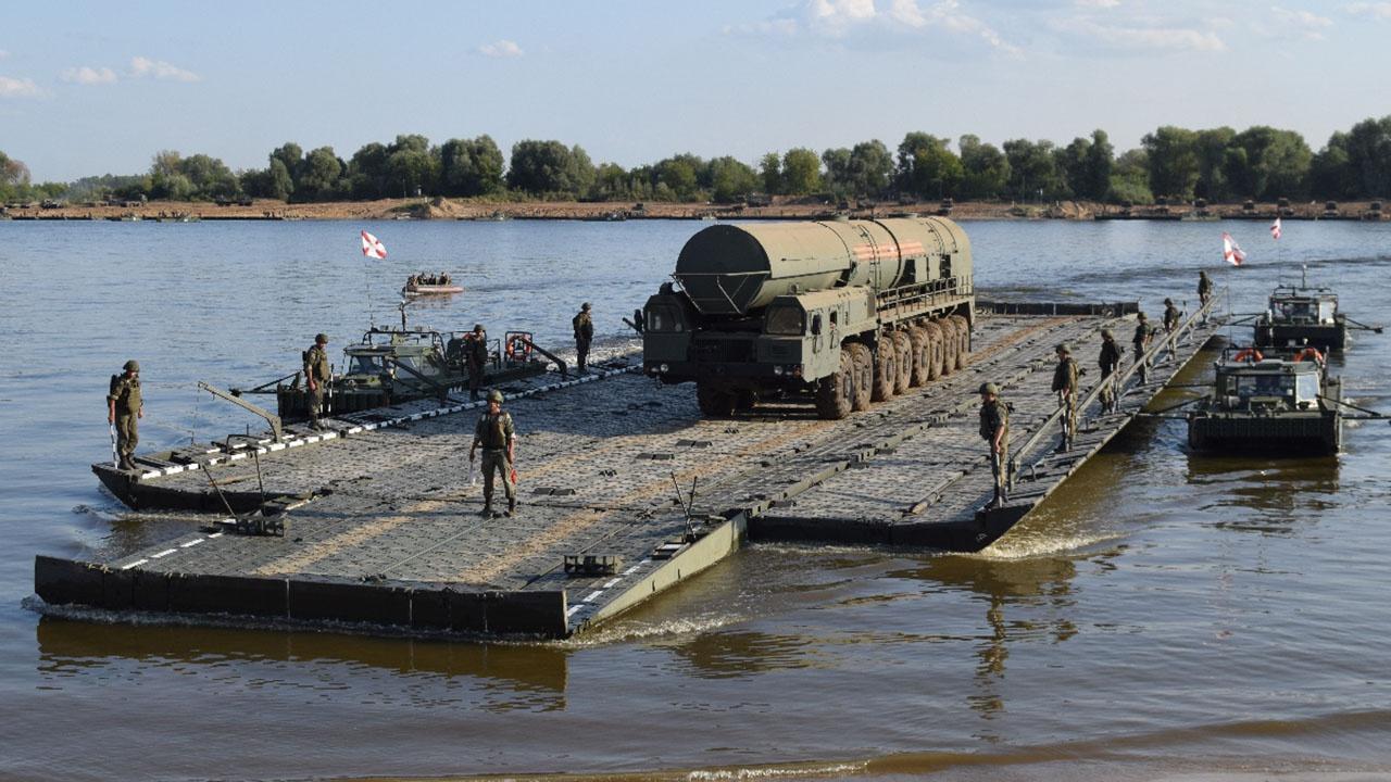 Для нас Ока не широка: ядерные «Ярсы» форсируют реку