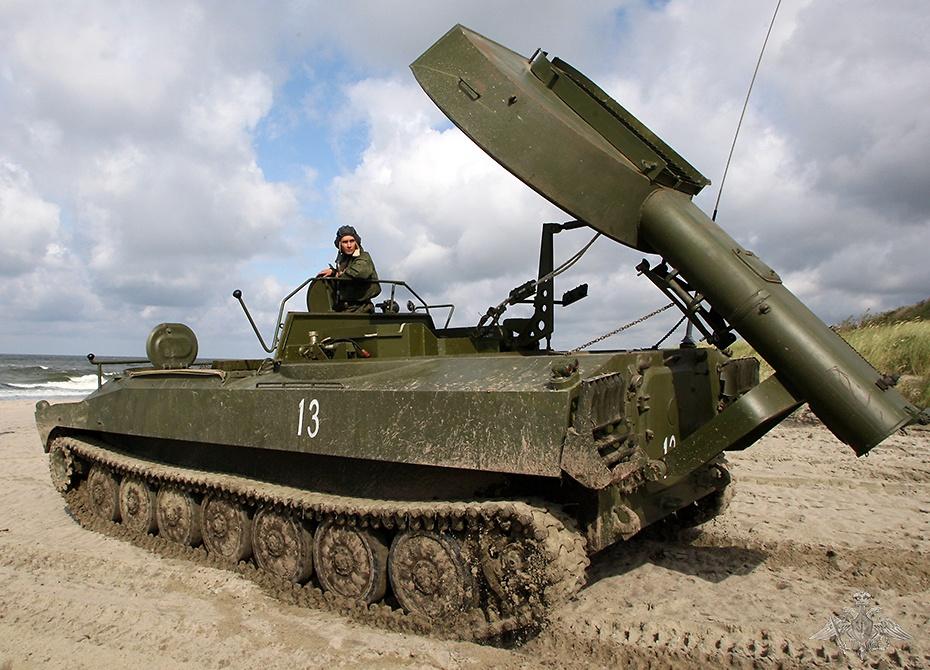 Самоходную установку разминирования УР-77 «Метеорит» в войсках прозвали «Змеем Горынычем».
