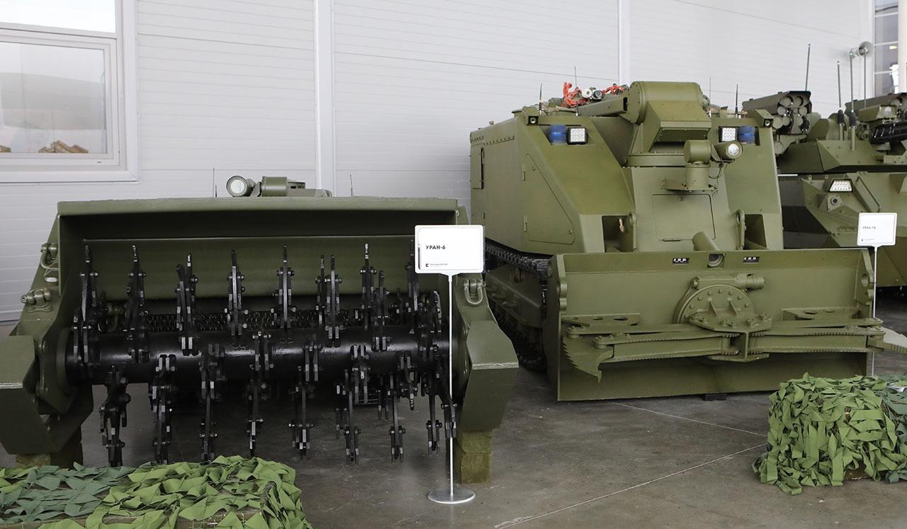 B интересах войск сейчас создаются многофункциональные робототехнические комплексы тяжёлого класса.