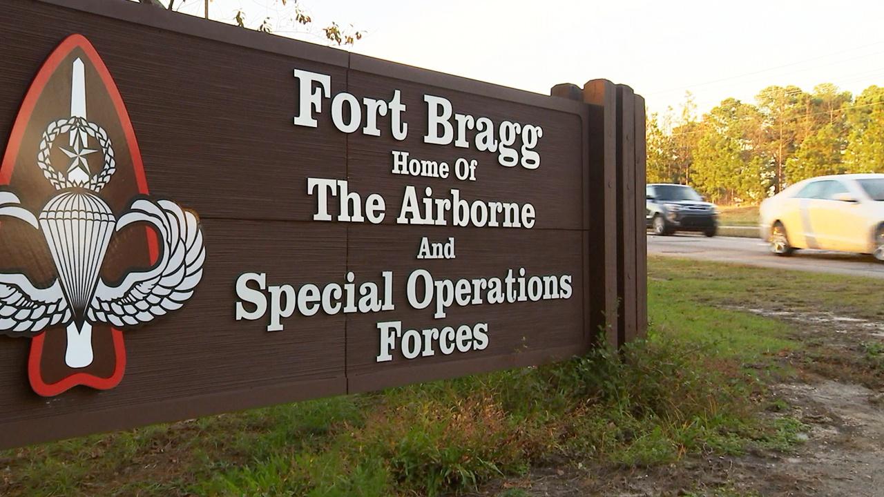 Гектор был направлен в 93-ю бригаду связи, которая обеспечивала спецсвязью воинские части, дислоцированные в Форт-Брэгге (штат Северная Каролина).