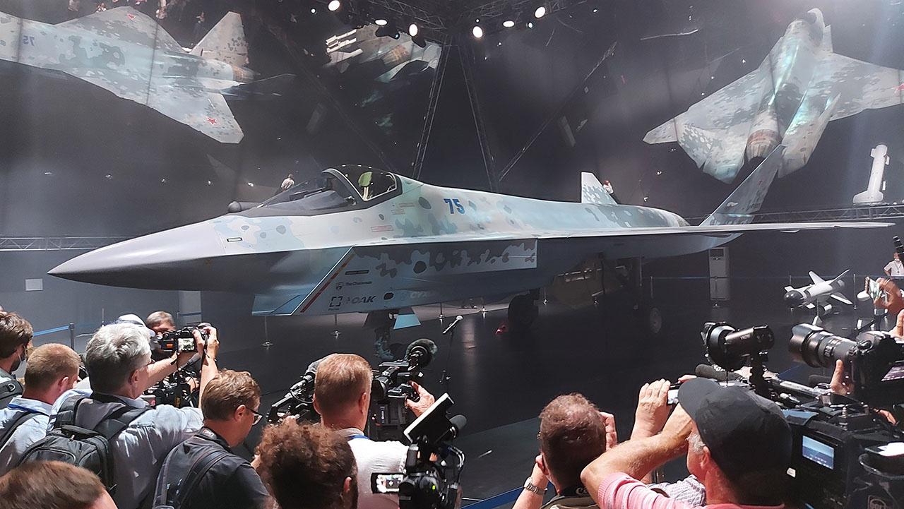 Демонстрация RF-00075 на МАКС-2021 - способ привлечь внимание иностранных клиентов и журналистов.