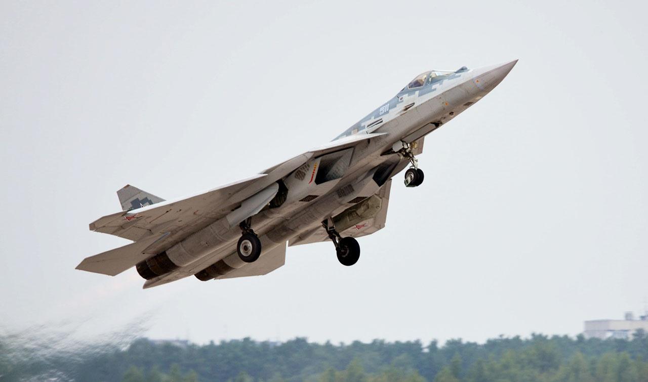 Из 76 заказанныхистребителей пятого поколения Су-57 промышленность поставила (в декабре 2020 года) только один серийный образец.