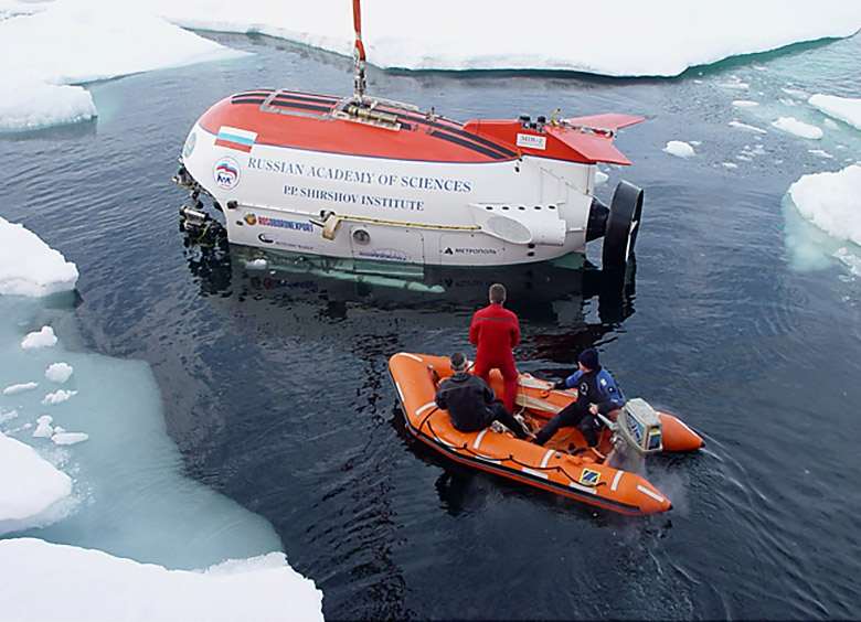 Спуск обитаемых аппаратов «Мир» в точке Северного полюса широко освещался в отечественных и зарубежных СМИ.