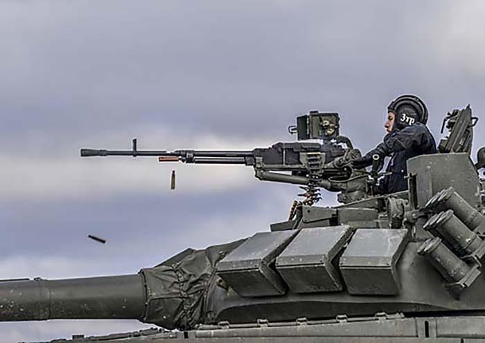В Нижегородской области танкисты ЗВО учились уничтожать беспилотники противника.