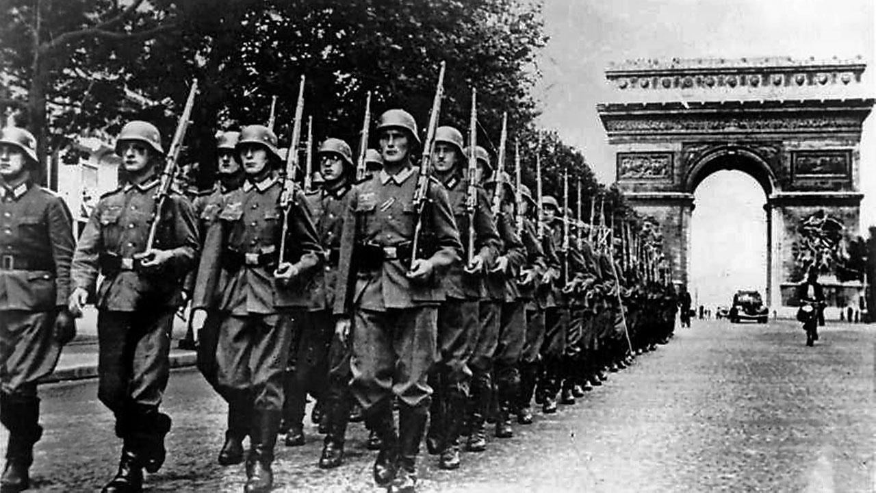 В результате успешного наступления вермахта основные силыфранцузскойармии былиразгромлены, бежали или сдавались в плен. В июне 1940 года нацистская Германия без боя вошла в Париж.