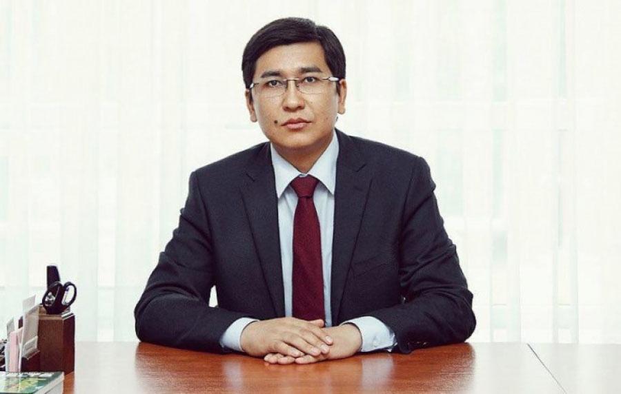 В кампании против русского языка и русских школ в Казахстане принимают прямое участие ведущие госчиновники, в том числе министр образования Асхат Аймагамбетов.