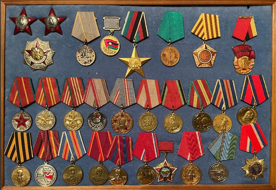 Награды полковника службы внешней разведки в отставке, ветерана группы «Вымпел» Льва Королькова.