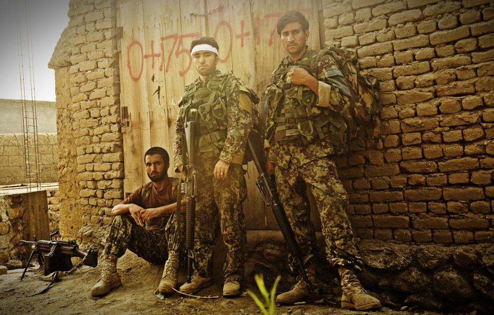 Пара десятков тысяч солдат регулярной армии Афганистана ушла в Узбекистан.