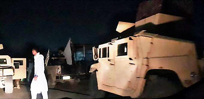 Брошенная американская военная техника, попавшая в руки талибов*.