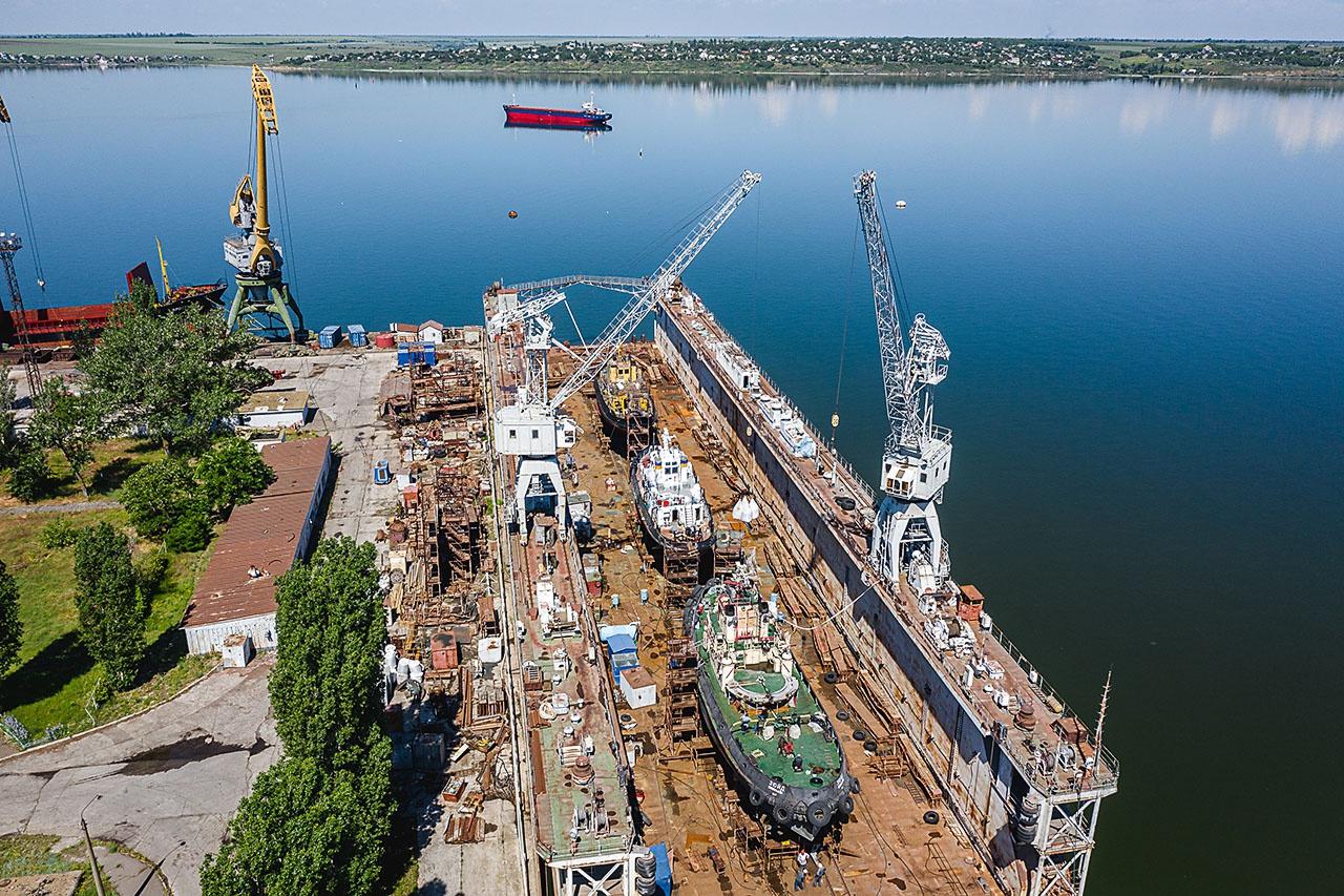 ССЗ «Океан» не имеет опыта строительства военных кораблей.