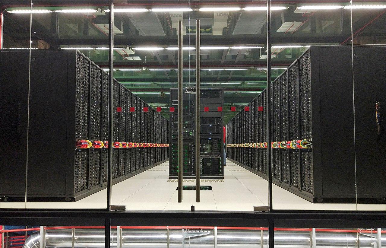 Мировой компьютерный парк стремительно развивается, появляется всё больше и больше суперкомпьютеров.