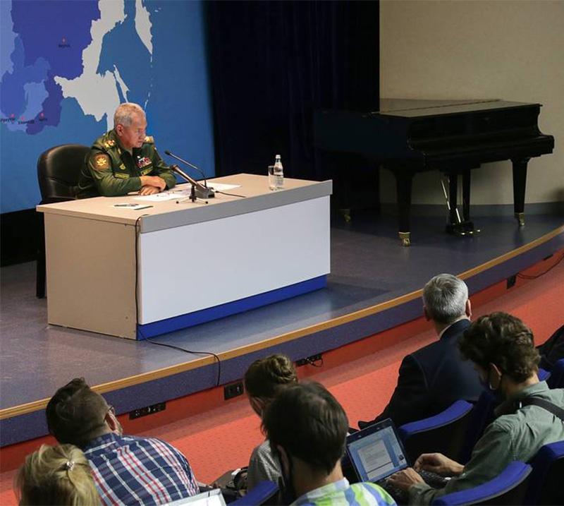 Министр обороны Сергей Шойгу заявил о необходимости построить в Сибири как минимум пять больших промышленных и научных центров и перенести столицу за Урал.