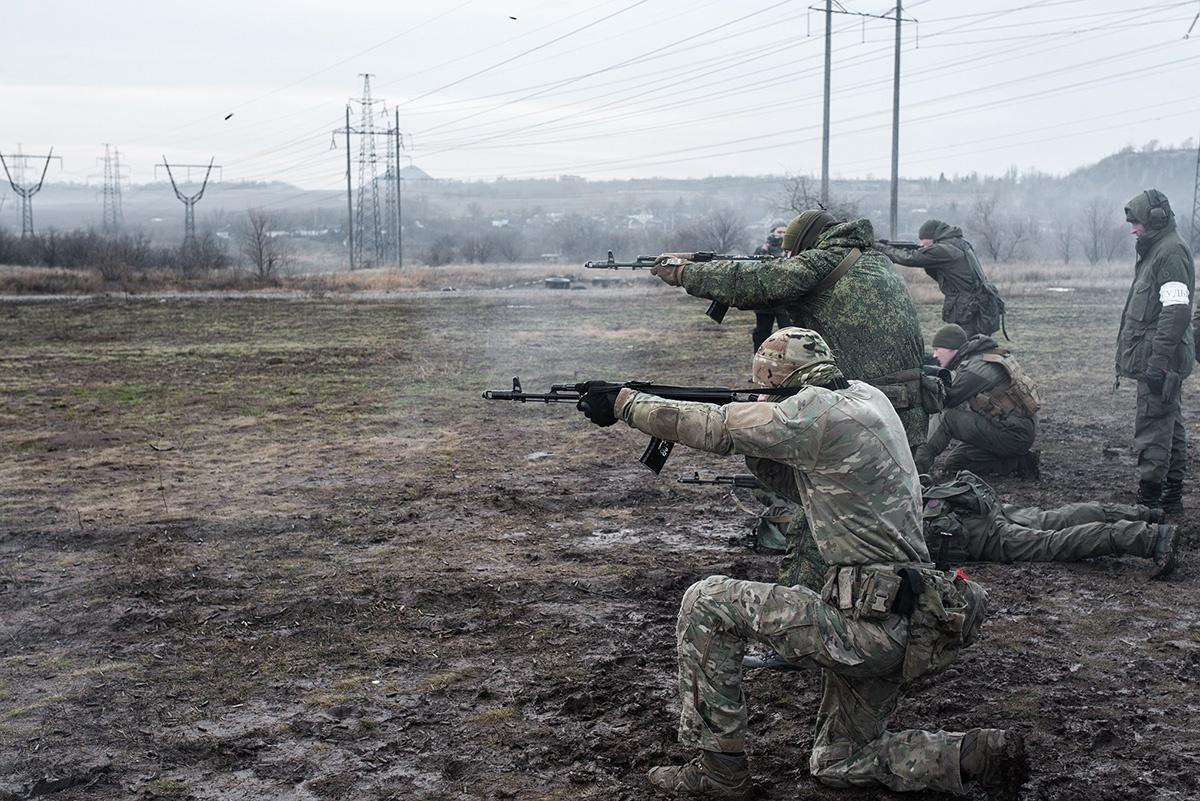 Кабинет министров Украины считает этих людей оккупантами.