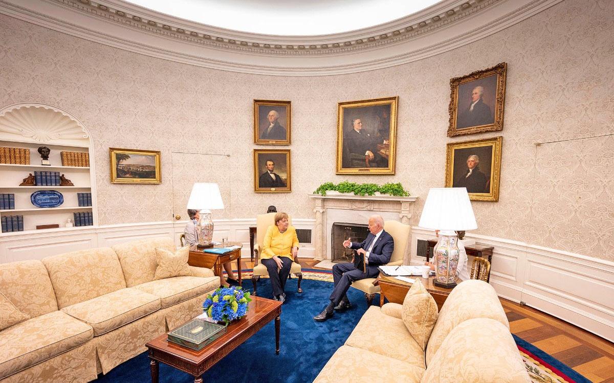 В июле этого года Ангела Меркель приехала попрощаться с американским президентом Джо Байденом.