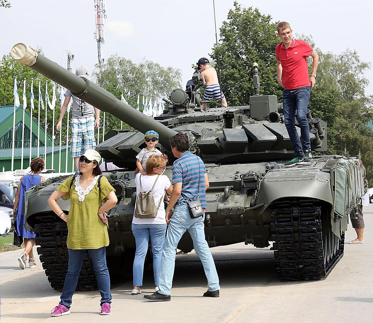 Боевые машины на форуме «Армия-2021» доступны всем посетителям для осмотра и фотографирования.