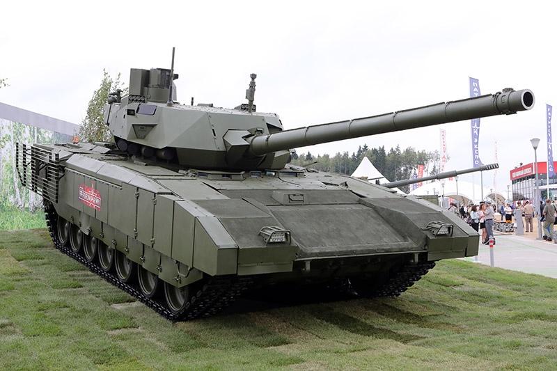 Для потенциальных иностранных заказчиков будет проведена презентация новейших образцов, в том числе танка Т-14 «Армата».