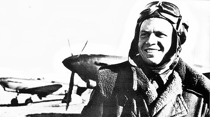 Старший лейтенант Николай Глазов, его имя было присвоено 31-му Гвардейскому Никопольскому Краснознамённому истребительно-авиационному полку.