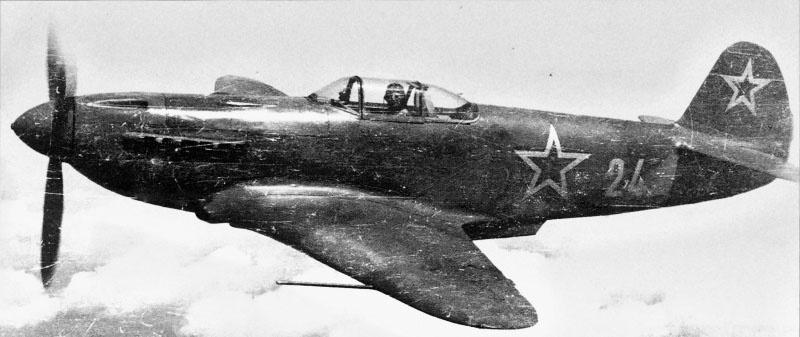 Специализацией 31-го полка было ведении воздушной разведки на истребителях.
