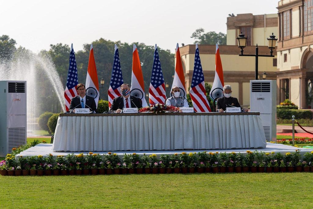 Высшие должностные лица министерства обороны и иностранных дел США и Индии в октябре 2020 года подписали соглашение об обмене разведданными.