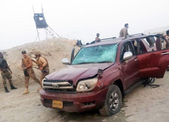 В Пакистане террорист-смертник взорвал кортеж с китайскими гражданами.