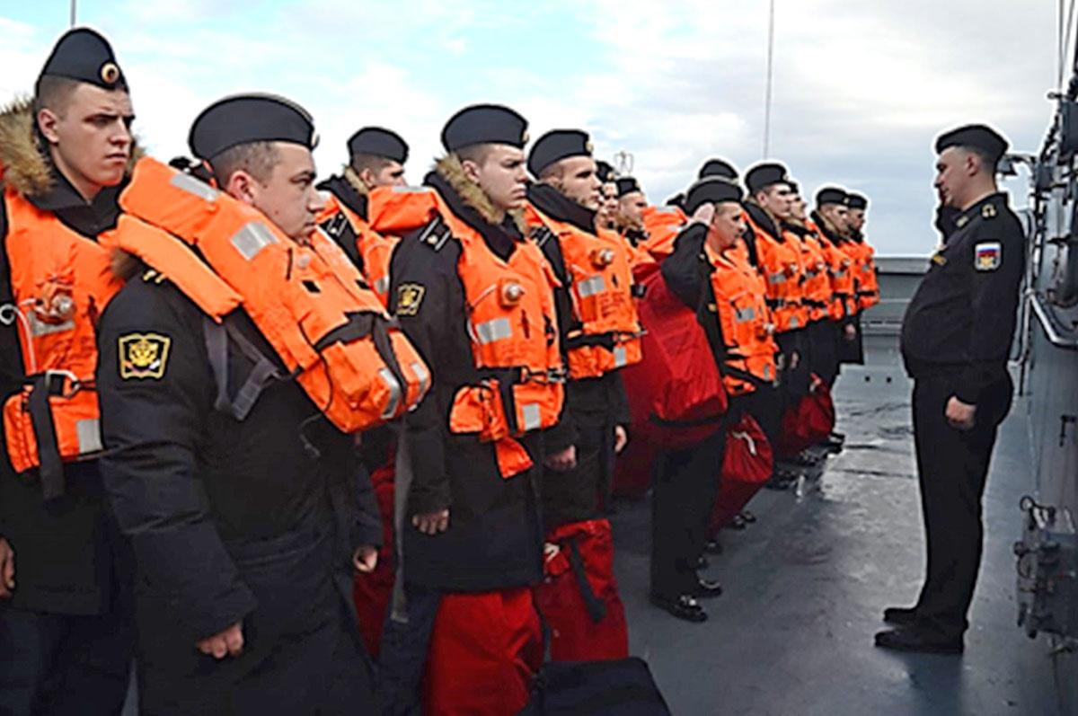 Практика курсантов на учебных кораблях ВМФ.