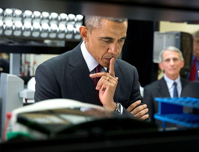 В 2015 году Барак Обама по просьбе Фаучи санкционировал выделение Уханьскому институту вирусологии 3,5 миллиона долларов.
