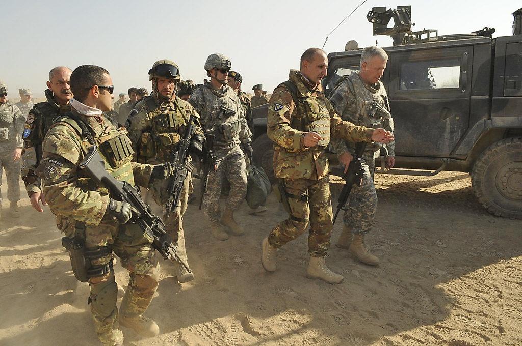 За последние два десятилетия через Афганистан прошли свыше 800 тыс. американских военных и 25 тысяч гражданских лиц.