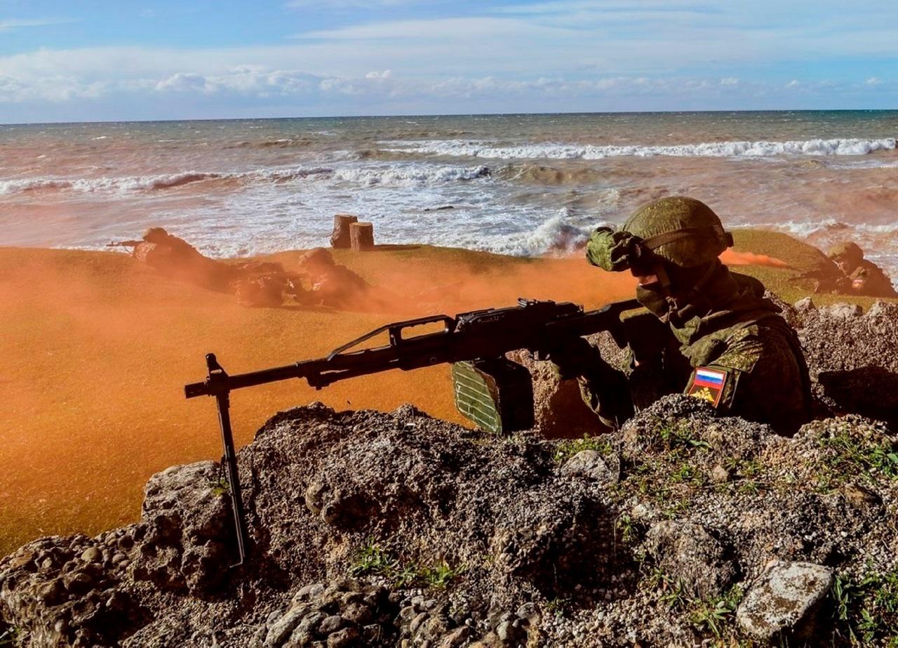 Бой на побережье.