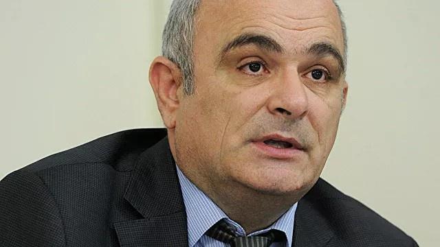 Посол России в Иране Леван Джарагян заявил, что Москва поддерживает инициативу Тегерана, так как у России и Ирана есть «близкие, а по ряду международных и региональных вопросов совпадающие позиции».