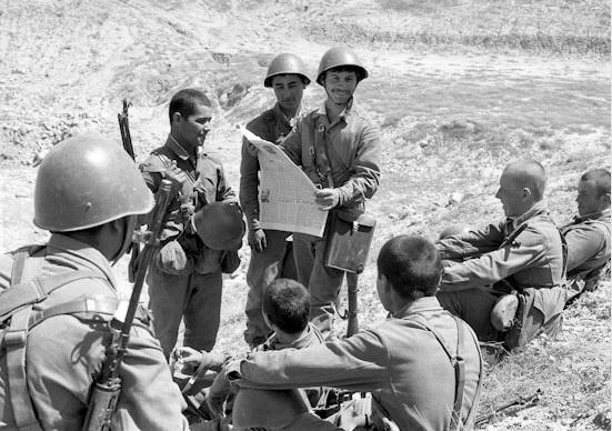 СССР мог держать группировку войск в Афганистане сколь угодно долго, но невозможно было достичь окончательной победы.