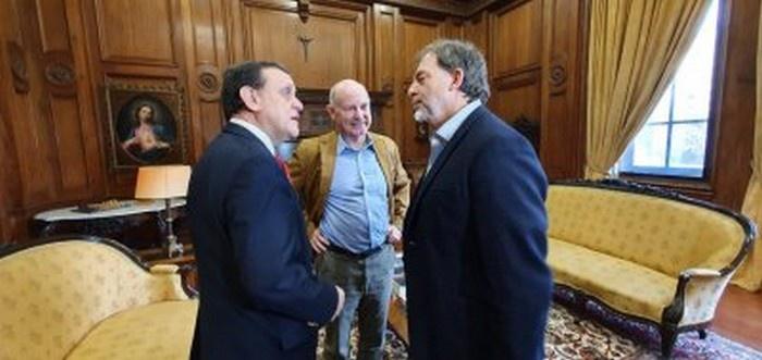 В мае 2019 года доктор Юсте ведёт переговоры с сенатором Гидо Хирарди, и тот обещает американскому учёному, что «нейроправа» будут внесены в Конституцию Чили.