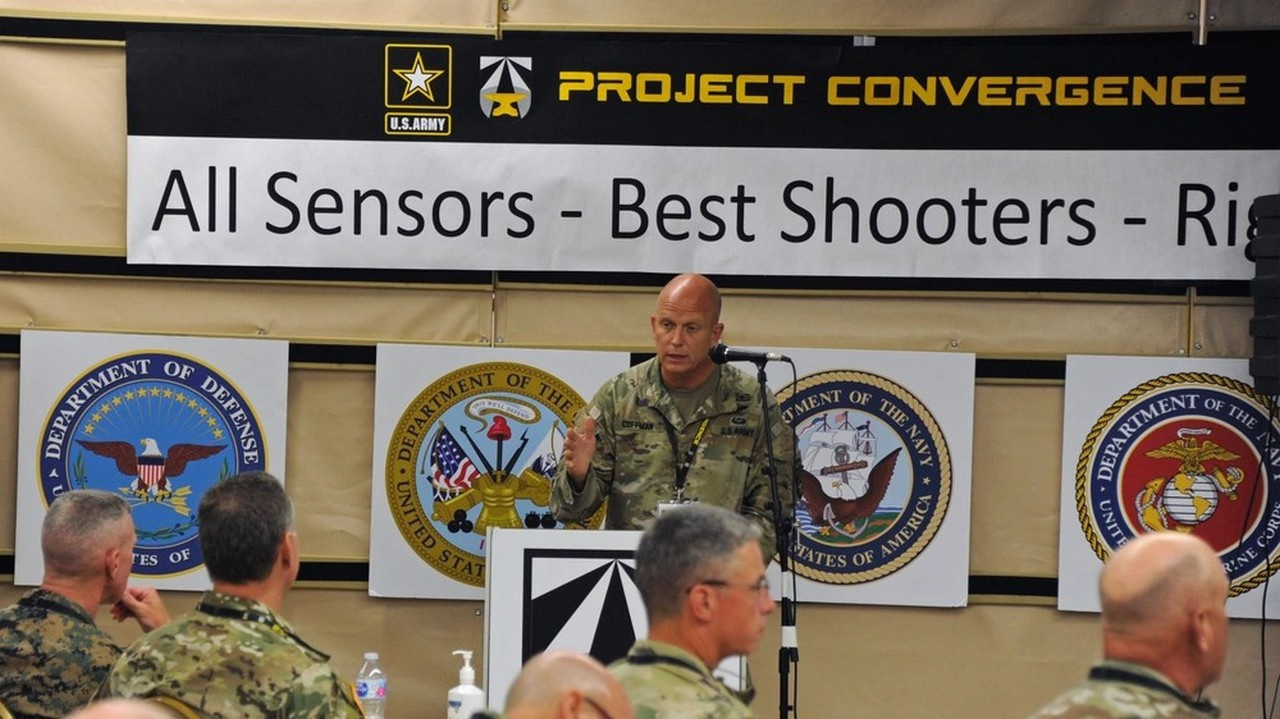 На полигоне армии США в Юме в 2020 году состоялись полевые учения, объединившие 107 технологических систем и свыше 7000 участников.