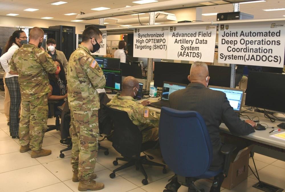 Предполагается интеграция проекта «Конвергенция» с другими системами, такими как Integrated Air and Missile Defense Battle Command System (IBCS) и Advanced Field Artillery Tactical Data System (AFATDS).